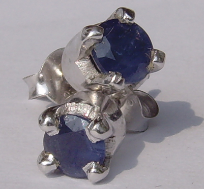 Silver ear studs with sapphire